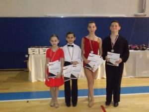 Plesači Ritma na 3 turnira osvojili 10 medalja