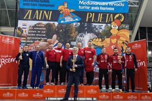 Hrvači Podravke i na 13. Zlatnom pijetlu najuspješnija ekipa turnira - osvojili 25 odličja