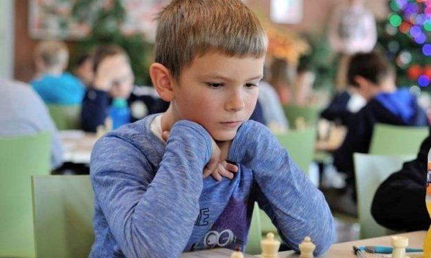 Emanuel Bunić osvojio kadetski šahovski turnir u Sesvetama