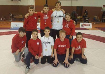 Zlato, srebro i dvije bronce osvojili su hrvači Podravke u Petrinji