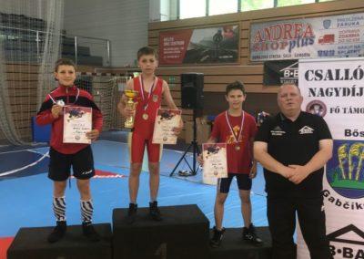 Četrnaest medalja osvojile su hrvačice i hrvači Podravke na turnirima u Dunajskoj Stredi (SVK) i Puli (HR)
