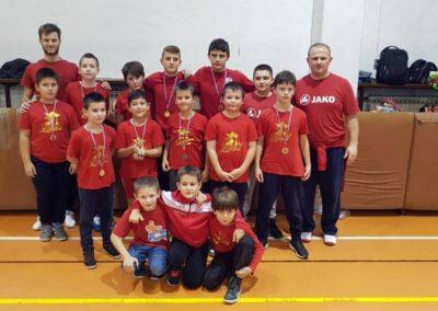 Četiri zlata, tri srebra i broncu osvojili su hrvači Podravke na Međunarodnom turniru u Petrinji